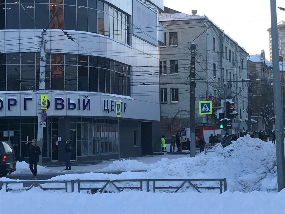 """ТЦ """"Крым"""" оцеплен из-за угрозы взрыва"""