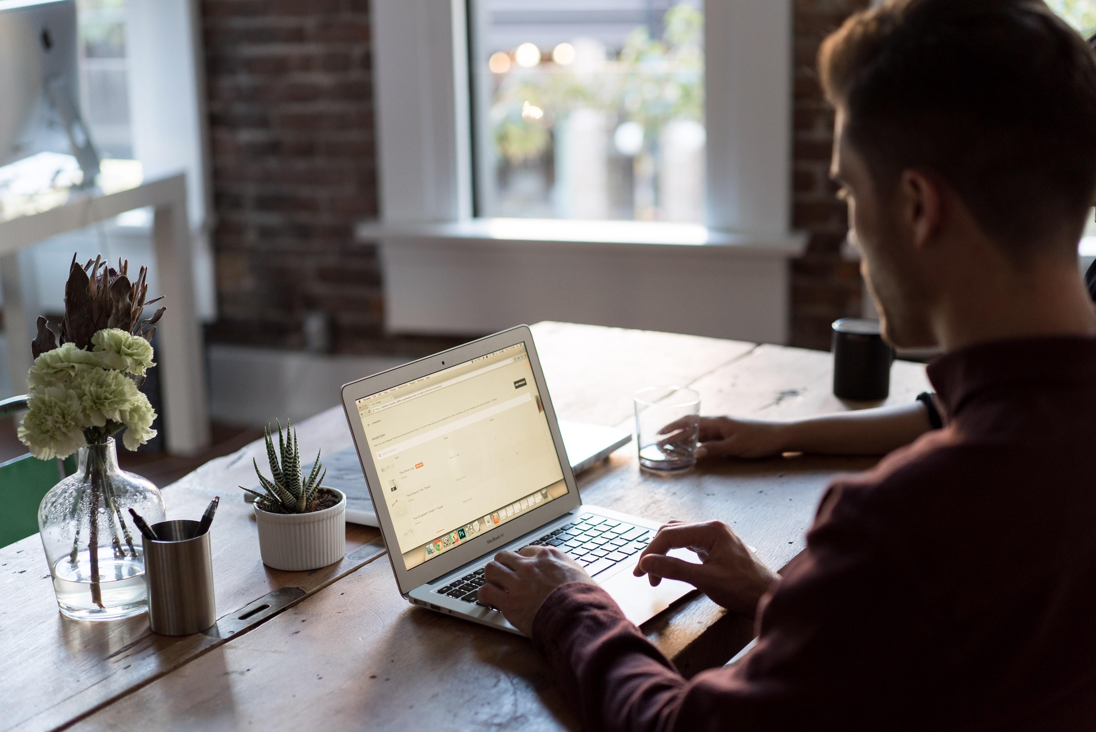 Приложение или сайт: с чего начать онлайн бизнес?