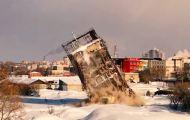 В Кирове со второй попытки здание комбицеха все таки рухнуло