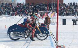 В Кировской области провели чемпионат России по мотогонкам на льду