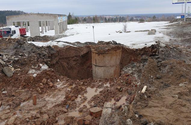 Определена причина водного потока, образовавшегося вчера на ул. Дзержинского