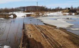 В Кикнурском районе затопило низководный мост