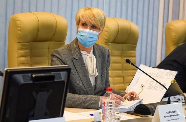 Доходы Елены Ковалевой за 2020 год упали почти вдвое
