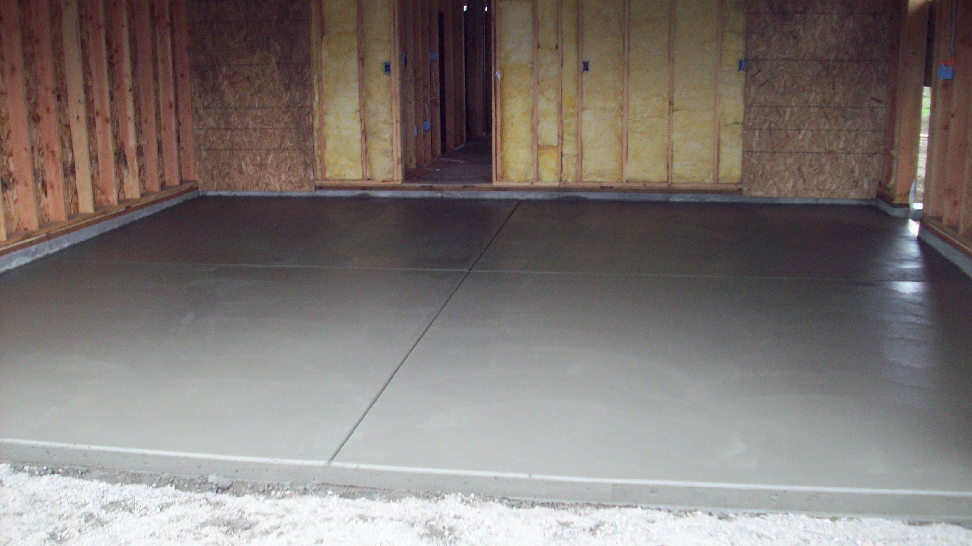 Бетон для гаража: преимущества использования и особенности выбора