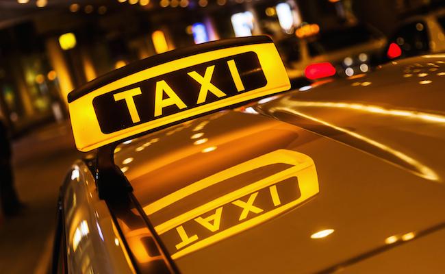 Как сэкономить на поездке в такси: практические рекомендации