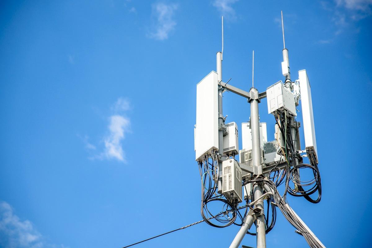 Ювелирная настройка: в Кировской области ускорили мобильный интернет