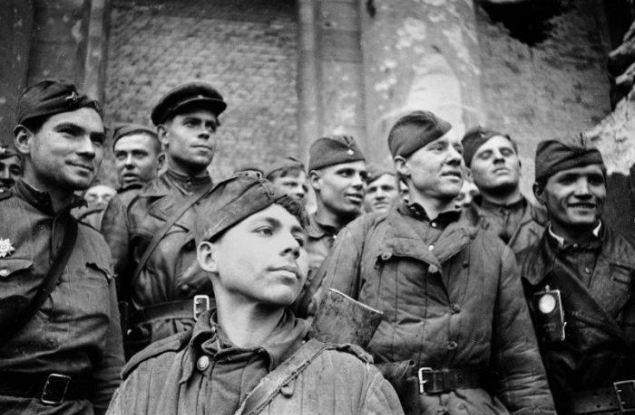 Забывать нельзя! Рассказ об уроженце Слободского из отряда, водрузившего знамя над Рейхстагом
