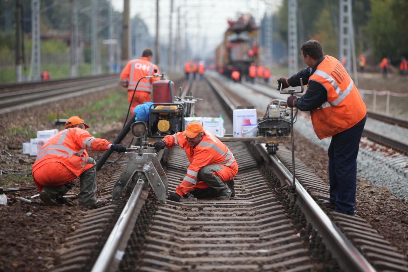 В Кировской области перекроют переезд в Макарье и отменят 2 электрички