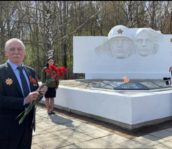 В Садаковском установили мемориальную плиту с именами погибших воинов