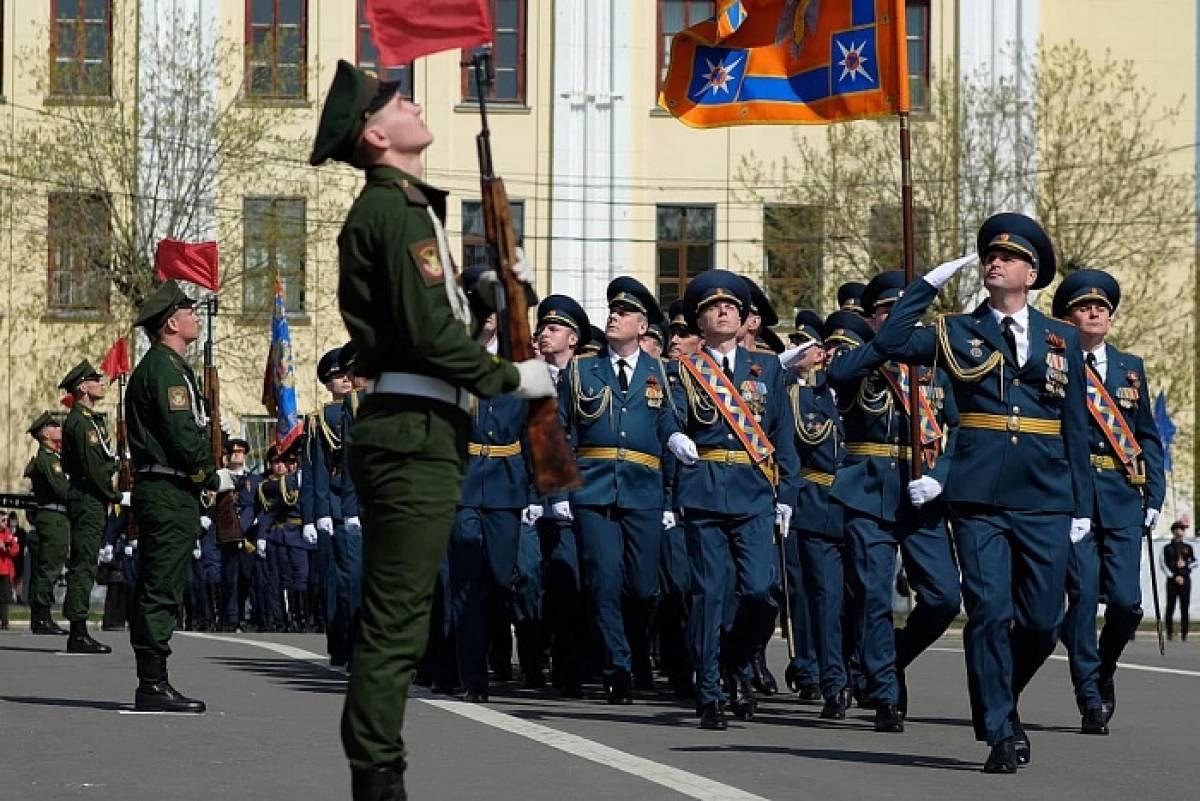 В Кирове прошел парад Победы