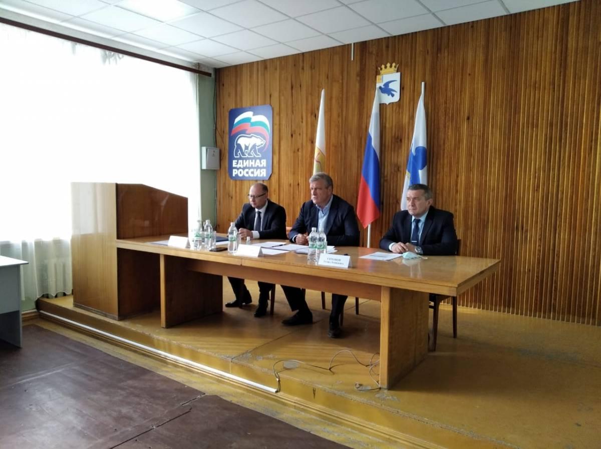 Игорь Васильев провел встречу с партактивом Малмыжского района