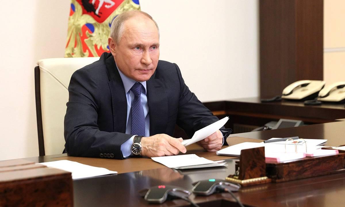 Владимир Путин поддержал предложение «Единой России» о присвоении Кирову звания «Город трудовой доблести»