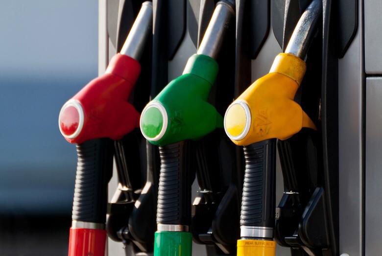 Росстандарт поможет водителям распознать качественное топливо на АЗС