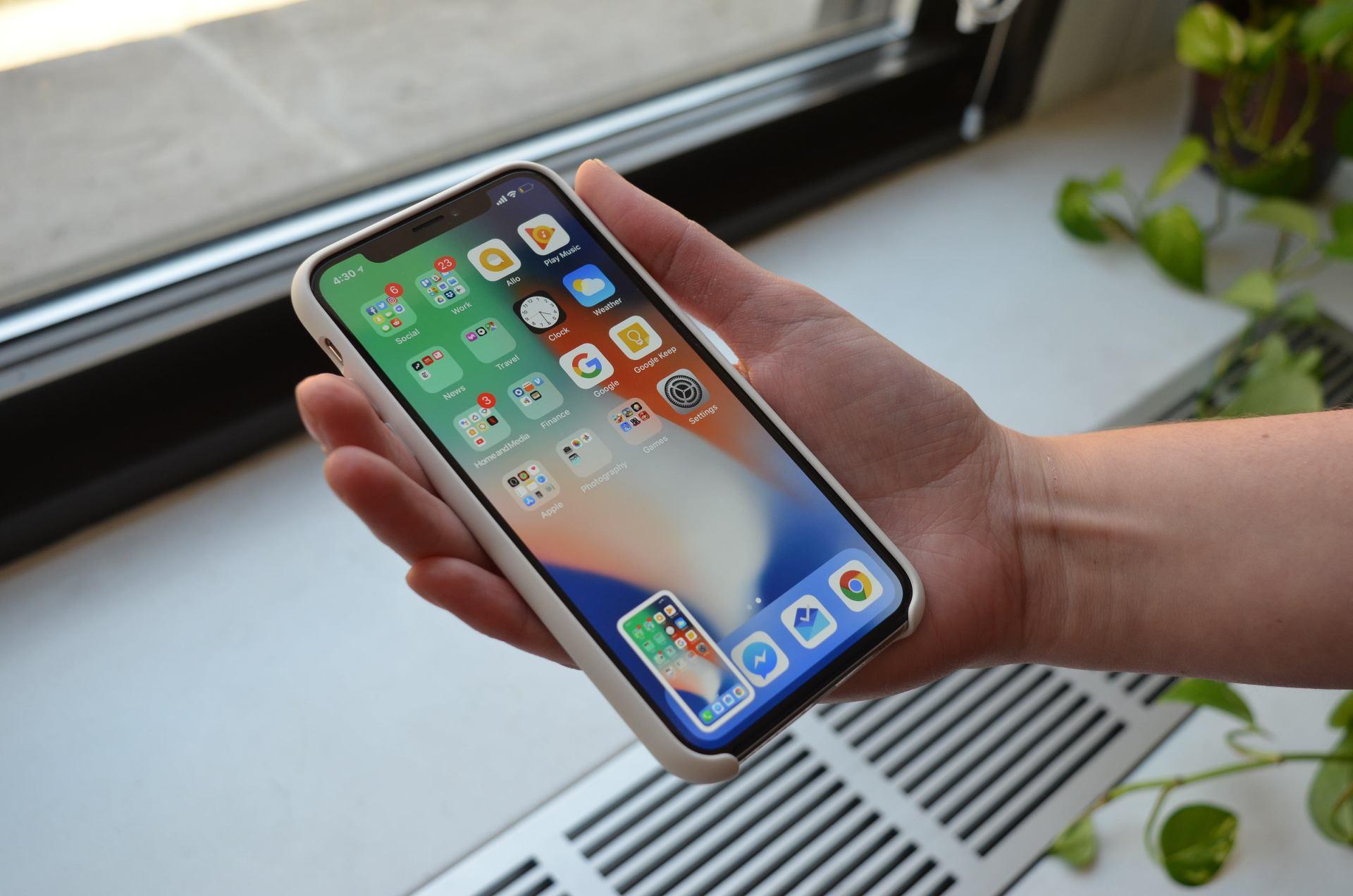 Замена заднего стекла на iPhone X и iPhone 11 Pro Max: этапы работ и цена услуги
