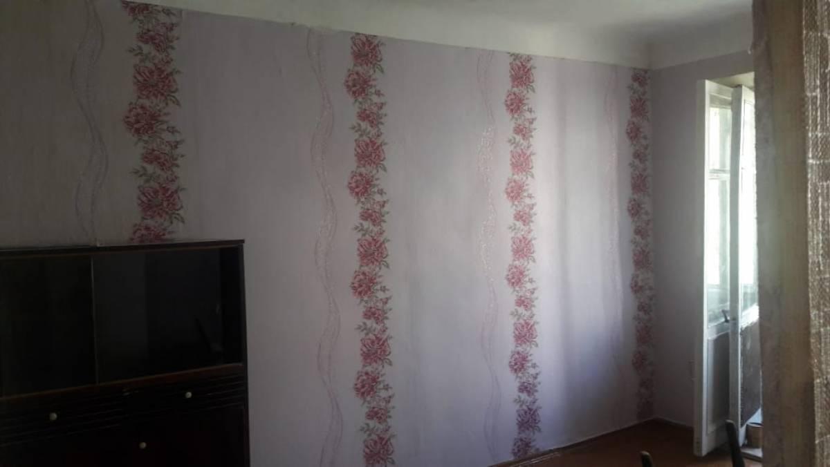 Волонтеры «Единой России» отремонтировали квартиру ветерана труда