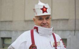 Неизвестные побили и ограбили Вятского модника в Александровском саду