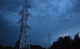 Энергетики Кировэнерго перешли в режим повышенной готовности из-за прохождения грозового фронта