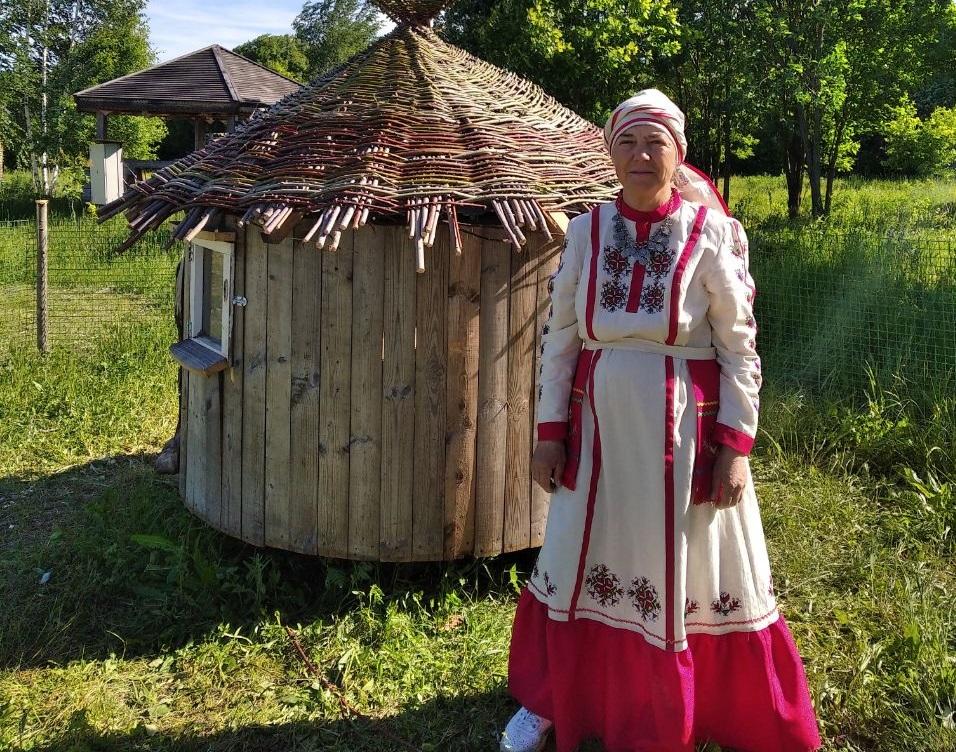 Елизавета Самарова - мастер студии по лозоплетению и участница фестиваля «Ива-Дивная»