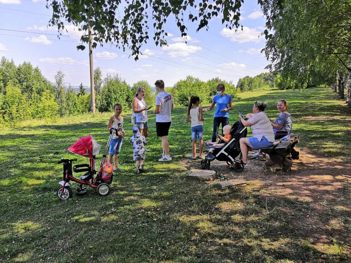 Волонтеры присоединились к празднованию Дня семьи, любви и верности