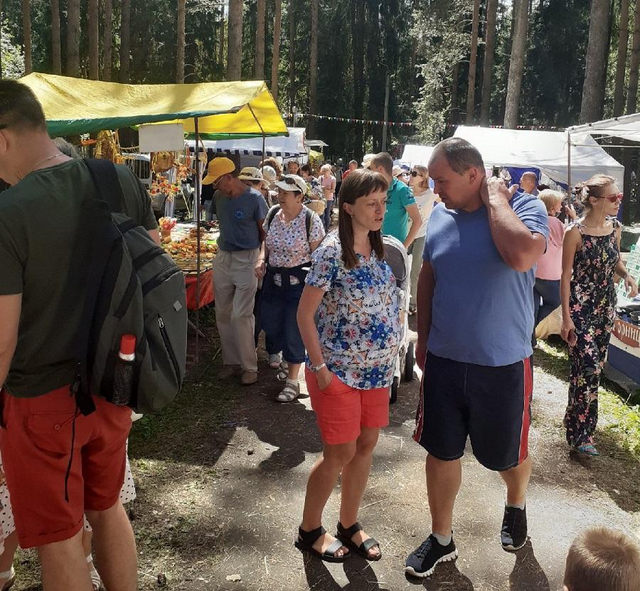 Краски чепецкой ярмарки играли всеми цветами радуги - как прошел фестиваль лозоплетения «Ива-Дивная»