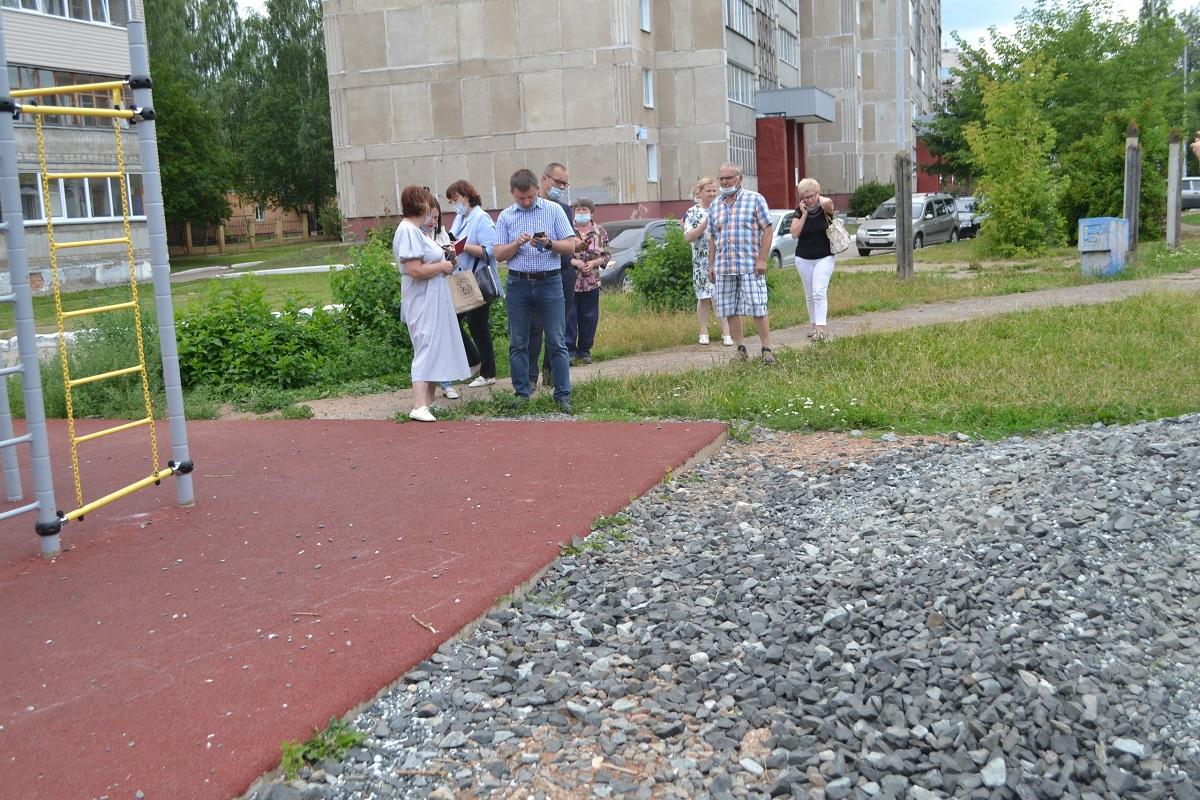 В Кирово-Чепецке состоялся очередной пеший обход территорий
