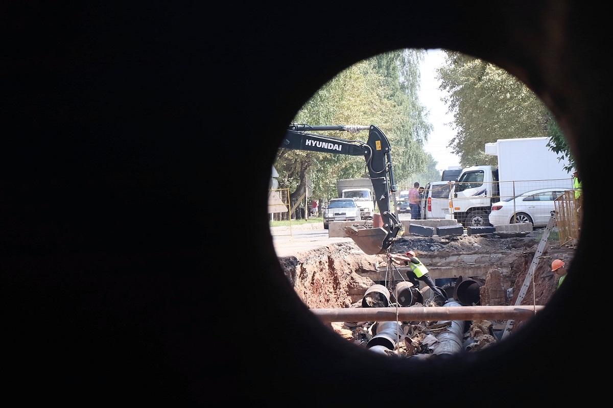 Работы по реконструкции теплосетей на ул. Грибоедова и Некрасова  идут по графику