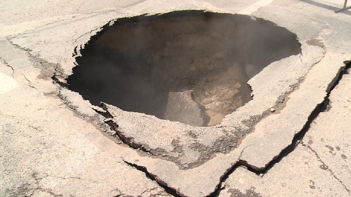 Оборудование на теплотрассе, где провалилась в яму 10-летняя кировчанка, работало с нарушениями