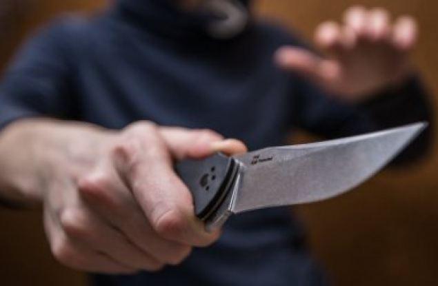 Пассажир такси решил пригрозить ножом водителю, чтобы доехать до Саратова