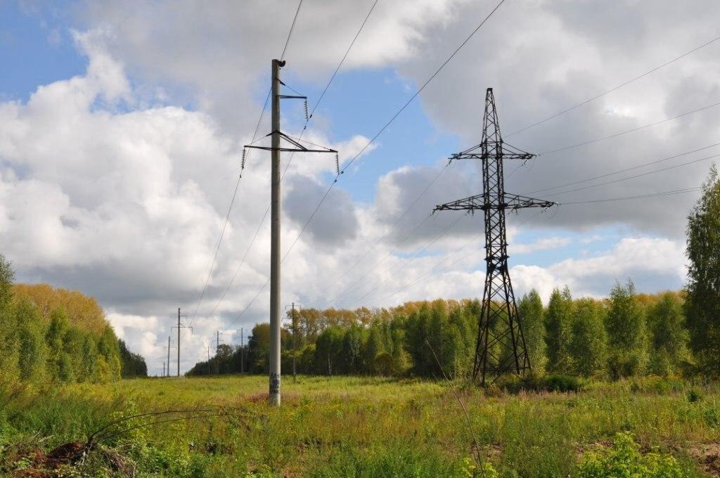 Кировэнерго предупреждает об опасности несанкционированной работы техники вблизи воздушных линий электропередачи