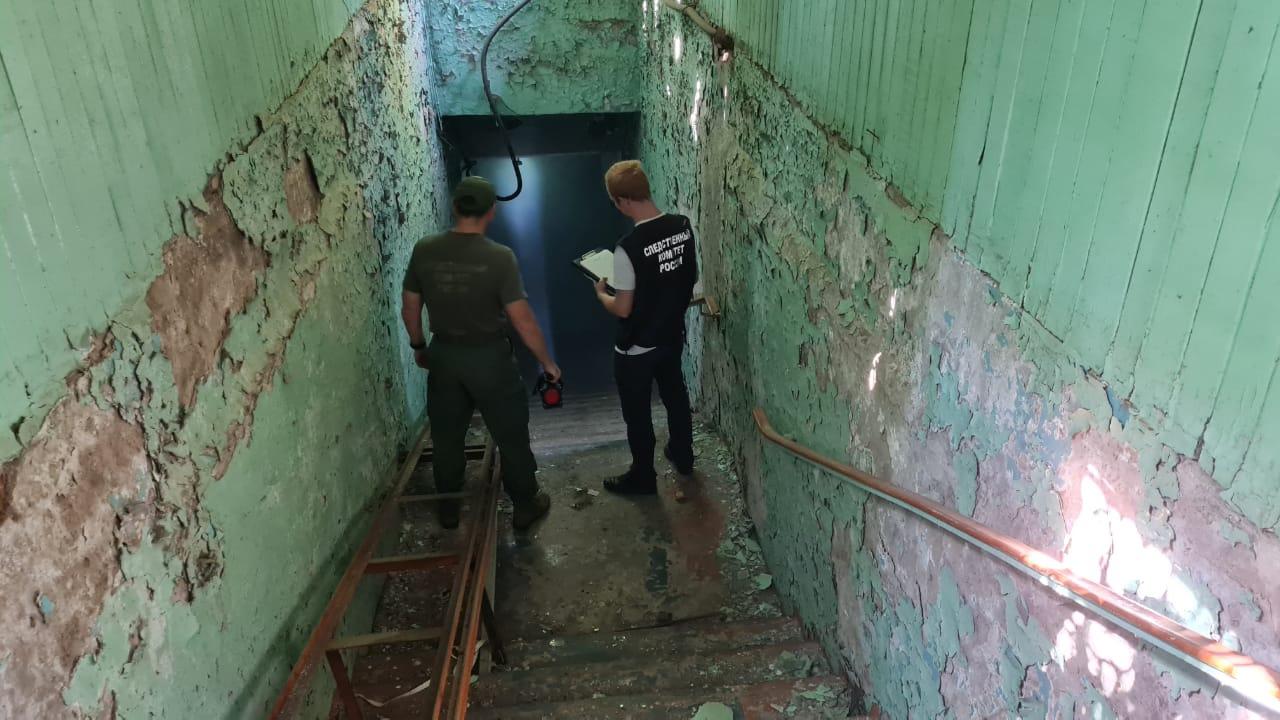 Четырех подростков в Кировской области увезли с отравлением после пожара