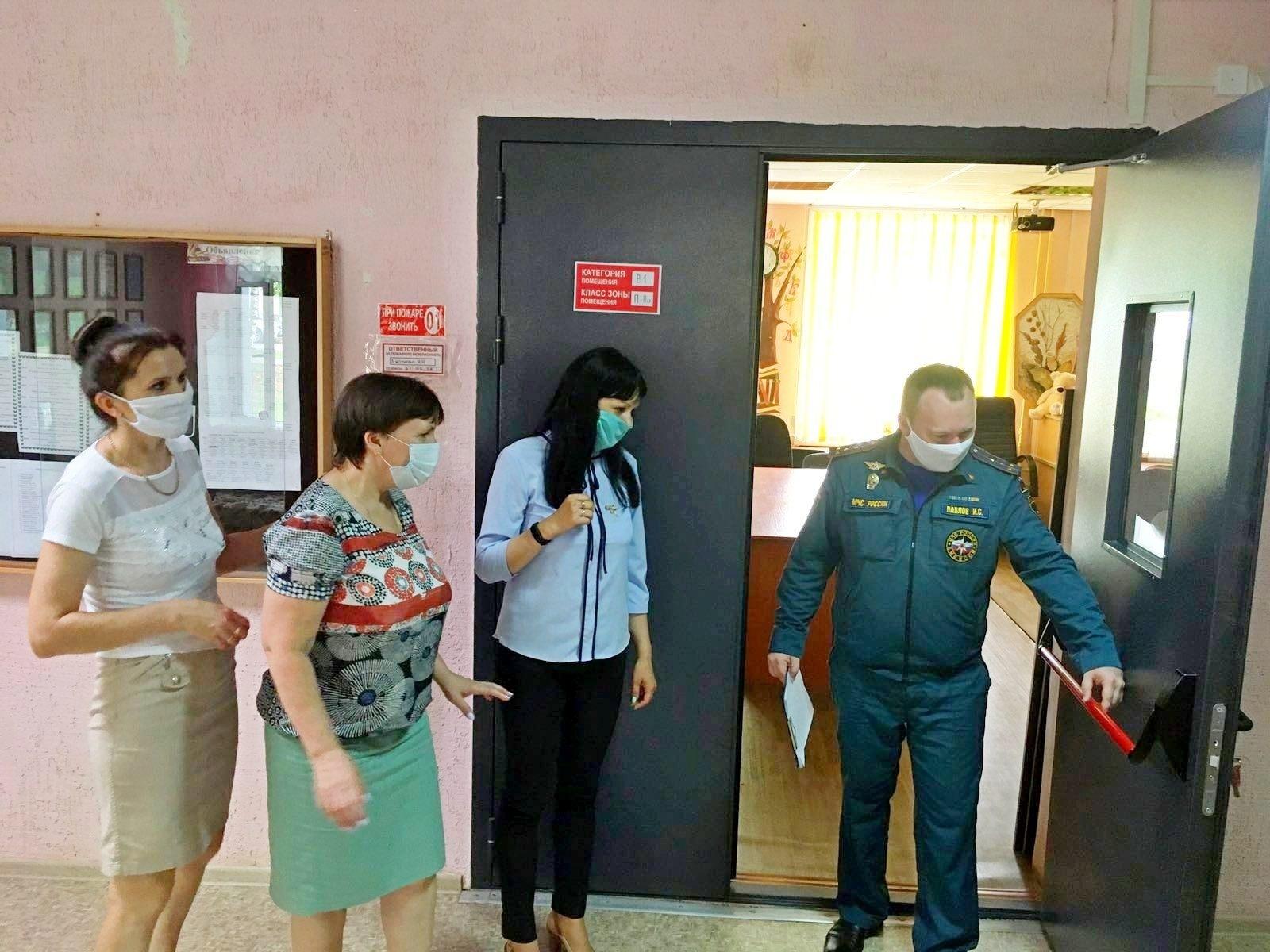 52 из 59 кировских школ уже прошли проверки от МЧС