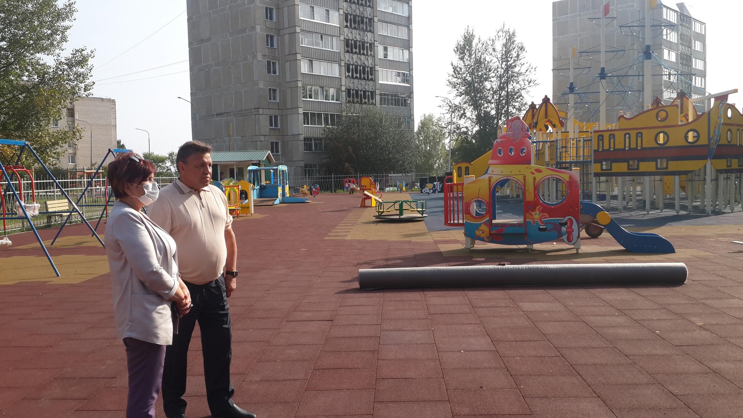 Сенатор Тимченко остался доволен работами по благоустройству в Кирово-Чепецке