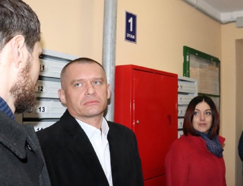 Глава Кировской ГЖИ уходит в отставку. Ранее у него был конфликт с вице-спикером ОЗС Костиным