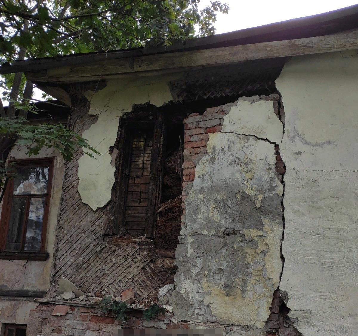 Дом архитектора Чарушина начал разваливаться
