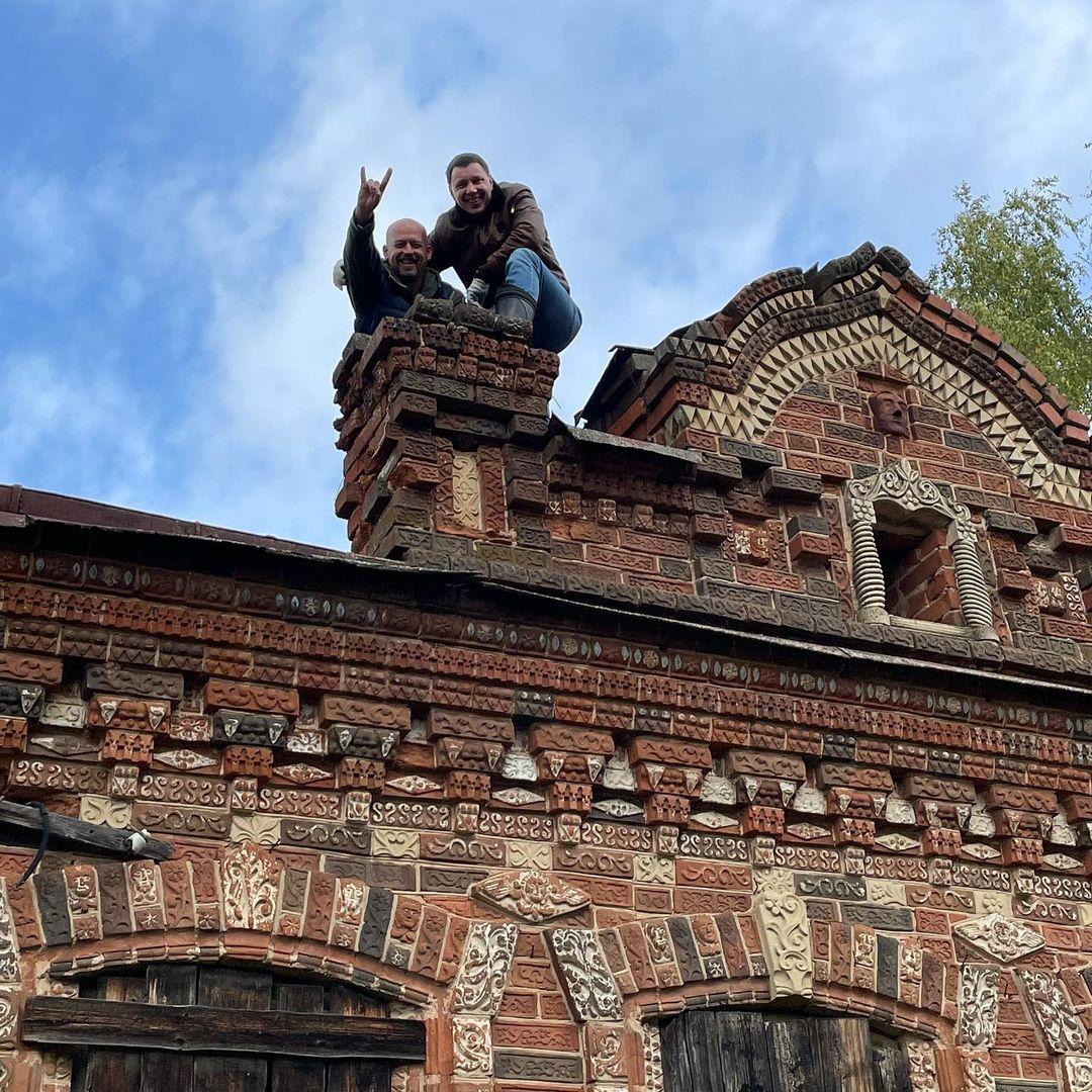 Кировский бизнесмен приобрел Огнетовский замок в Яранском районе, чтобы его восстановить