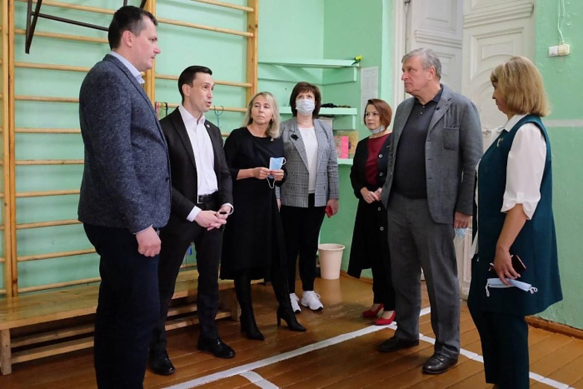 В Белохолуницкой средней школе им. В.И. Десяткова проведут капитальный ремонт