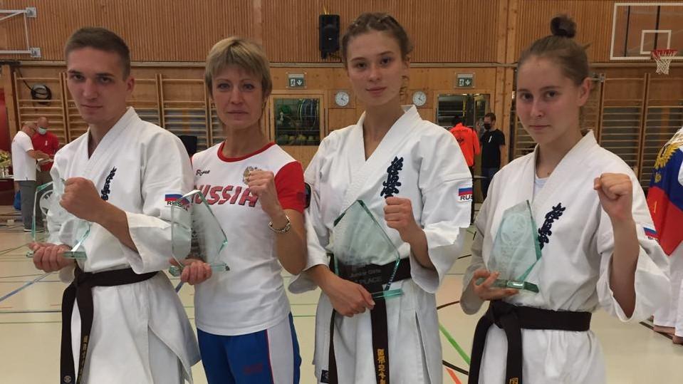 Молодые спортсмены-каратисты из Кирова заслужили золото и серебро на международныхсоревнованиях