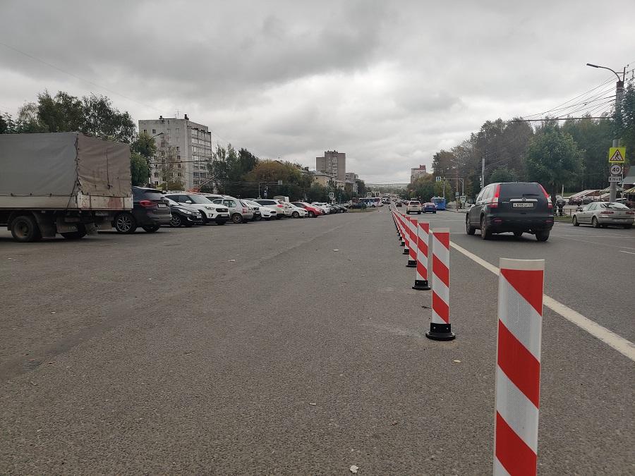 Что не так (почти все) с сигнальными столбиками на Октябрьском проспекте?