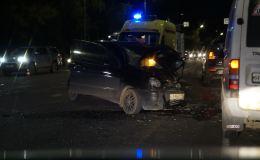 На дамбе в Макарье произошло ДТП с участием полицейской машины