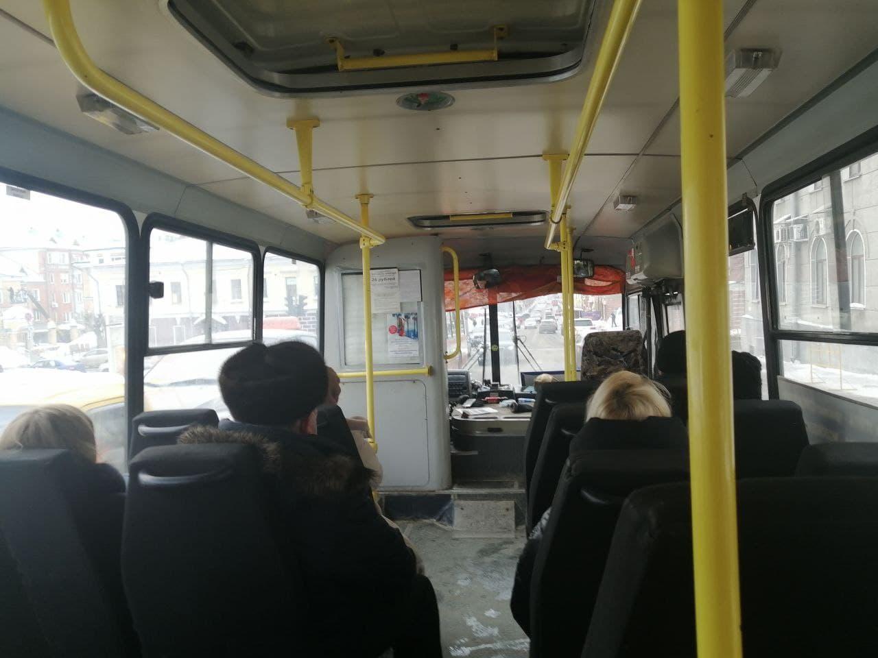 Списывают четыре поездки за раз. Будут ли менять терминалы в автобусах Кирова?