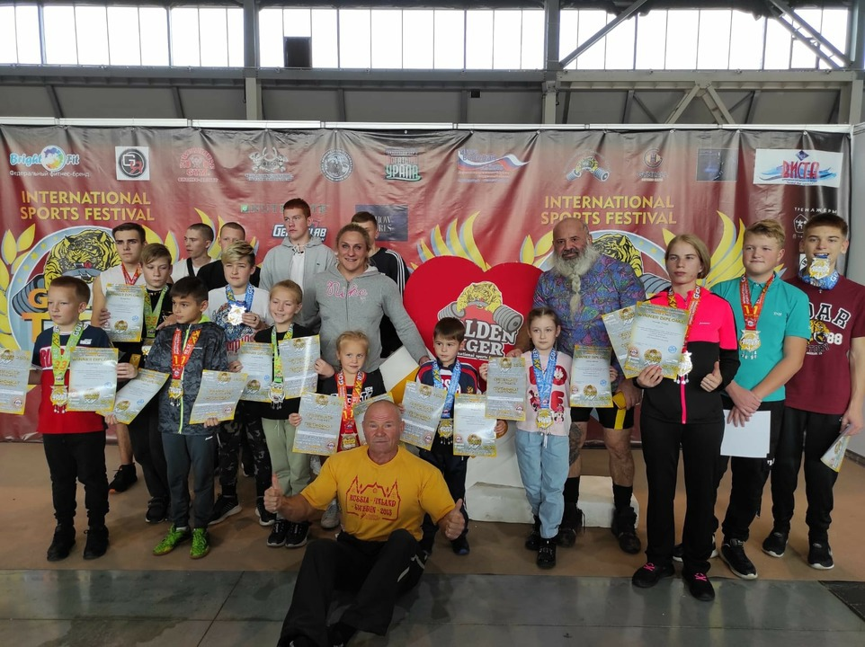 Шестилетняя кировчанка установила рекорд в жиме штанги