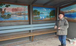 Остановка общественного транспорта в Кировской области превратилась в выставку картин