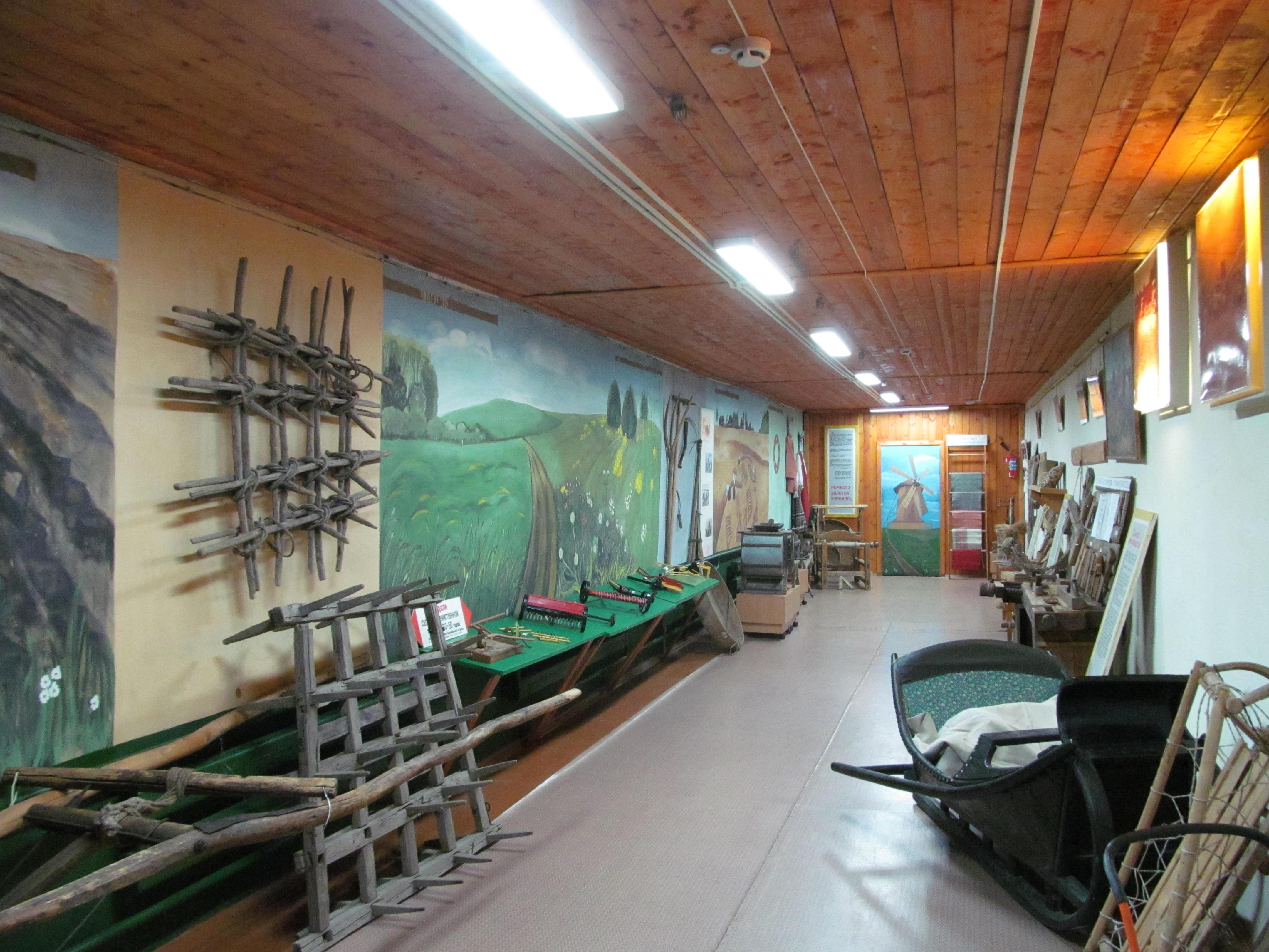 Специалисты «Кировэнерго» провели работы по организации освещения Музея истории крестьянства имени А.М. Ронжина в Котельничском районе