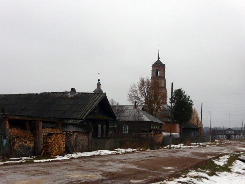 Второй месяц без школы. В Даровском районе встал вопрос с перевозками детей из-за отсутствия водителя