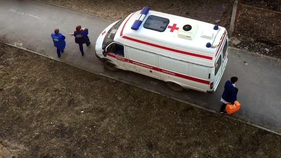 Пятиклассница из Кирово-Чепецка упала с высоты 8 этажа во время съемки ролика в TikTok