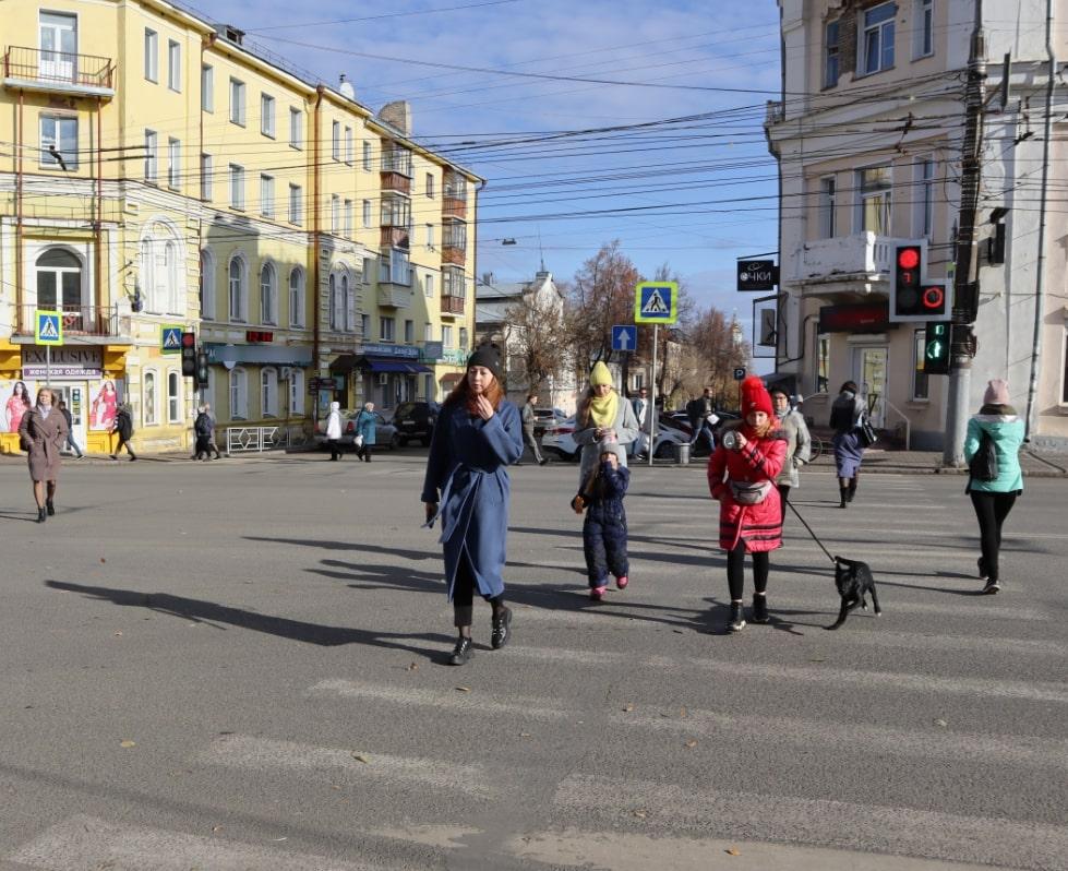 Светофор на перекрестке улиц Ленина и Преображенской представляет опасность для кировчан