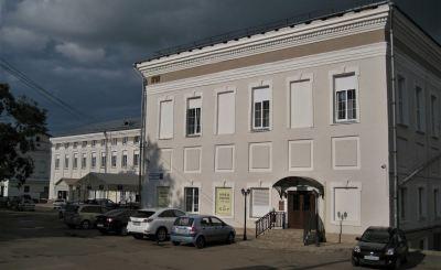 «Попали под раздачу». Почему правительство региона выселяет предприятия из зданий на Динамовском проезде 2 и 4?