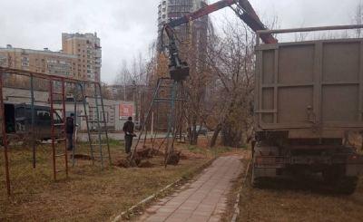 Кировчане возмутились сносу детской площадки на глазах у детей