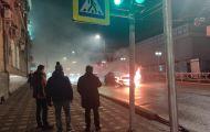 Улица Карла Маркса «встала» из-за горящего автомобиля