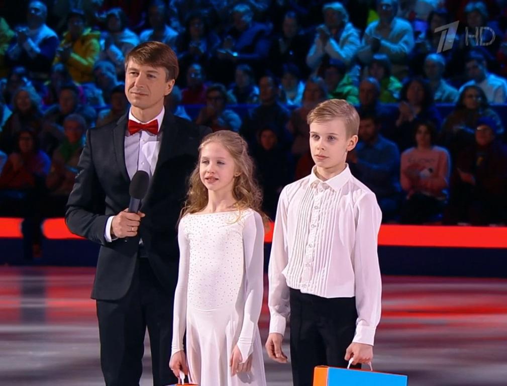 Юные фигуристы из Кирова участвуют в шоу на Первом канале